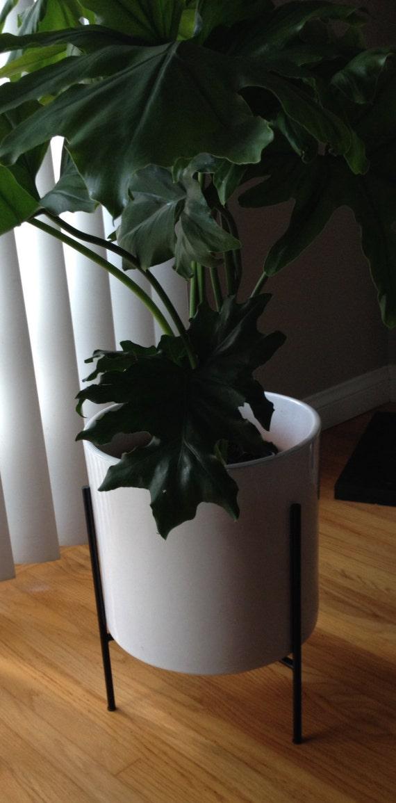 mid century modern plant stand by stevensdesignstudio on etsy. Black Bedroom Furniture Sets. Home Design Ideas