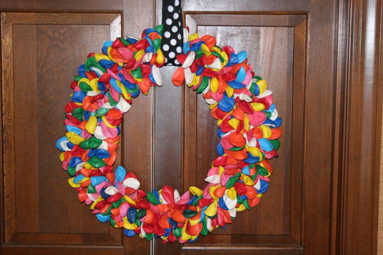 Balloon wreath birthday party decor wall decor handmade for Balloon decoration on wall for birthday