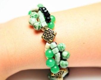 Jade Green, Ivory & Black Beaded Bracelet