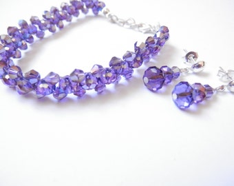 Bracelet and earrings gleaming