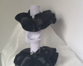 Girls black satin trim sock