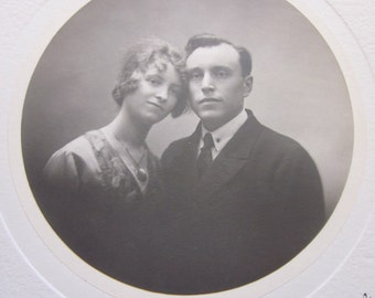1940 old photography picture photographer Martinotte brothers Grenoble in the Isère France young couple