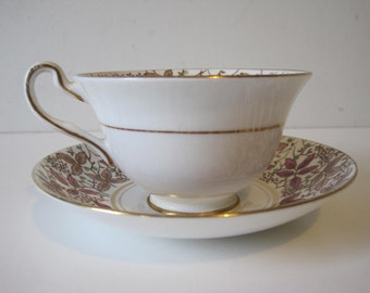 Vintage ROSINA Tea Cup and Saucer Bone China Gilding Made in England E590z