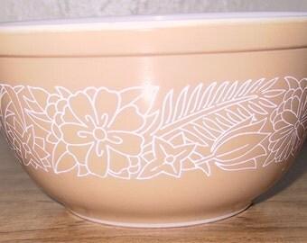 Vintage Pyrex Mixing Bowl