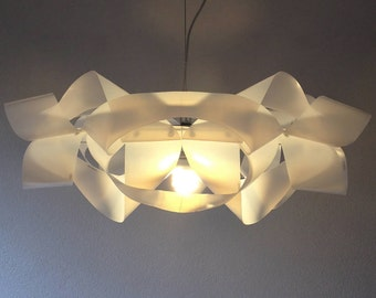 upcycle lampshade MILKCHAIN out of plastic milk containers