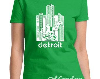 Michigan State Spartans Spirit of Detroit Screen Print T-Shirt Irish Green Ladies Relaxed Style Shirt, Sizes S-3XL