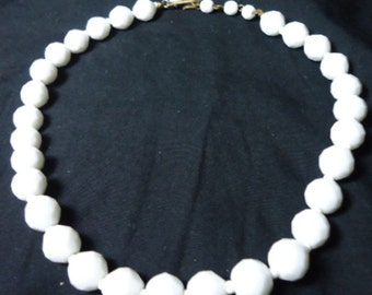 Vintage White Milk Glass Faceted Bead Adjustable Length Necklace Estate Jewelry 328
