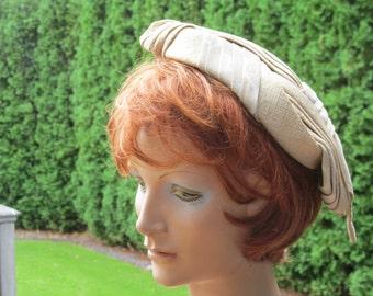 1940s Couture Milliner Robert Dudley Ivory Brocade Hat