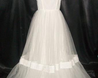 Vintage Lavish 50's Crinoline Ethereal White Prom Gown Dress Formal 34