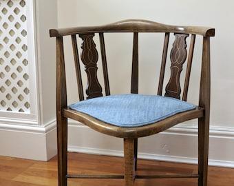 Diamond Corner Chair