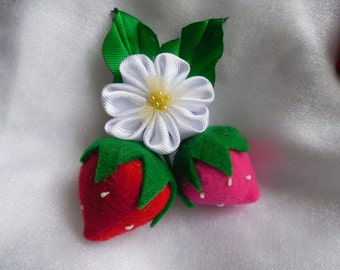 Strawberries and kanzashi flower hairclip/brooch