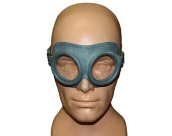 Vintage Army Surplus Goggles In Grey - Pilots / Motorcycle Helmet Protective Rubber Glasses