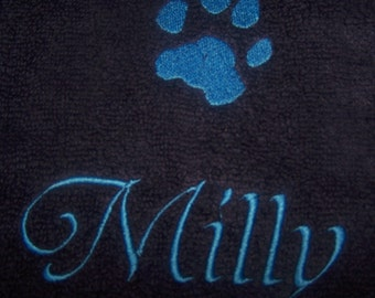 Personalised embroidered Dogs Paw hand towel (100% cotton)