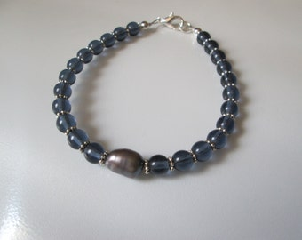 Blue Glass and Cultured Freshwater Pearl Bracelet