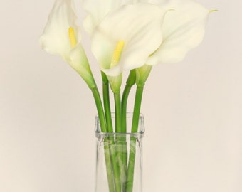 Medium Latex Calla Lily in White - 20 Inch Stem - ITEM 0551