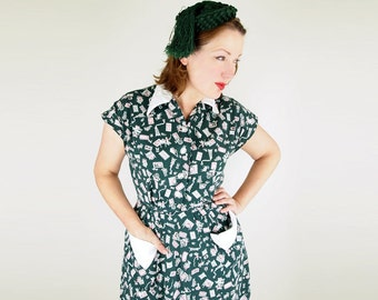 SALE 50s Quebec Cottage Novelty Print Green Cotton Dress S