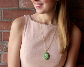 Vintage Green Daffodil Cameo Necklace