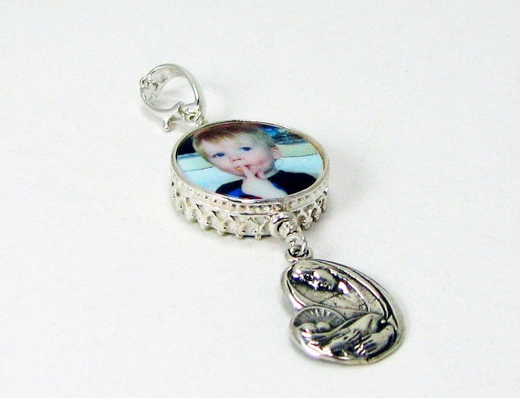 Round, Classic Framed XSM Photo Charm - Mary and Child - FC5Ca
