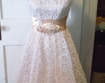 Clearance 1950's Vintage Peach Satin and White Lace Bouffant Prom Party Evening Dress 36 Bust 28 Waist Small