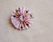 Blush Roses Rosette Medallion Brooch Pin - handmade paper jewelry, wedding corsage, boutonniere, gift topper, embellishment – MEDIUM
