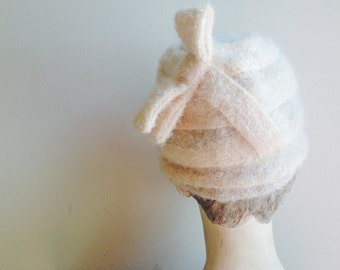 1960s Vintage Fez Style Cream Wool Back Bow Hat