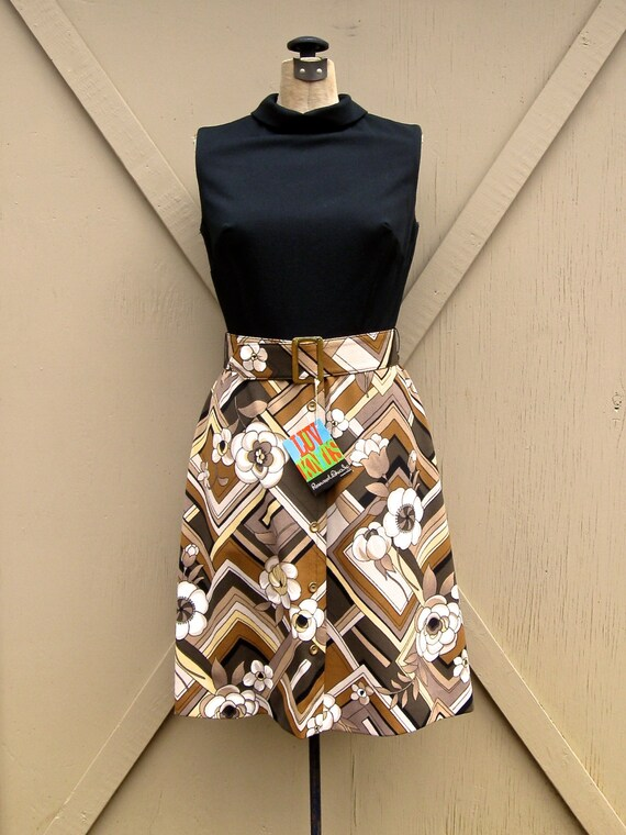 60s vintage Mod Sleeveless Dress with Abstract Floral Patterned Skirt