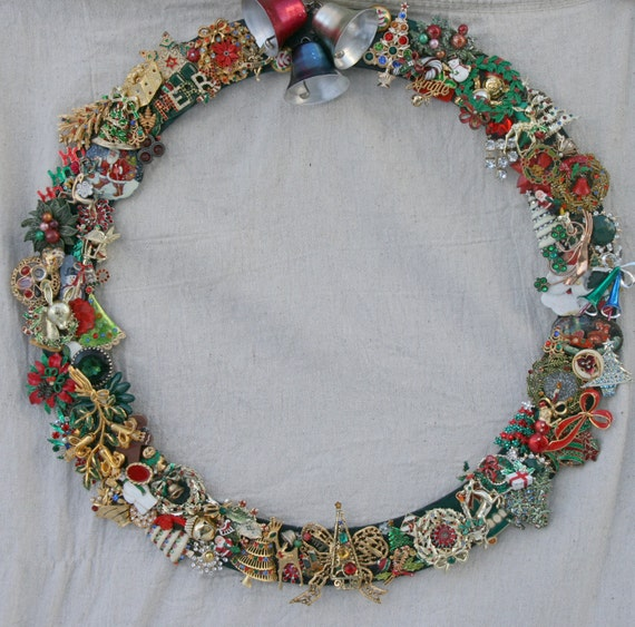 Christmas wreath holiday unique vintage by fiorellajewelry on etsy - Awesome christmas wreath with homemade style ...