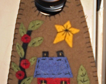 Oley Valley Primitives  COLONIAL HOUSE  Penny Rug Door Knob Hanger Digital Download