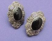 Vintage Marcasite Black and Silver Button Earrings / Marcasite Earrings / Clip On Earrings