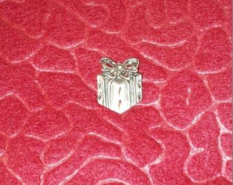 Vintage Men's Gift Package Tie Tac or Hat Pin