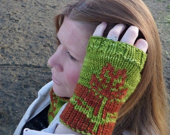 Sprouting Blossom Mitts Pattern