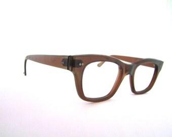 1950s Wayfarer style eyeglasses // 50s 60s Vintage Frames // Brown Amber // Saftey