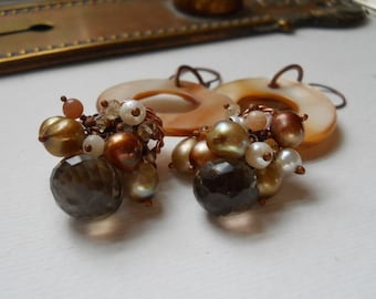 Clustered Pearl Earrings in Earthy Neutrals