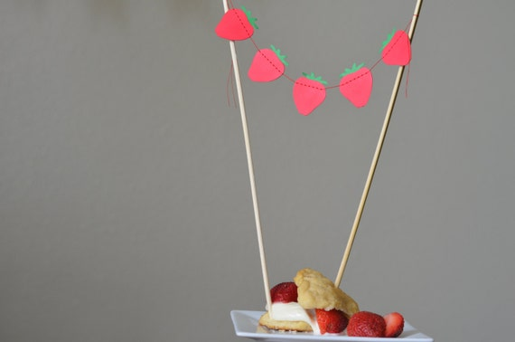 Strawberry Shortcake Dessert Garland, custom colors available