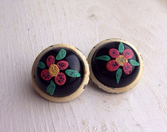LAST CHANCE 4.00 Sale Vintage Clip On Earrings / Handpainted Flowers Beatiful Retro Jewelry / Costume Floral
