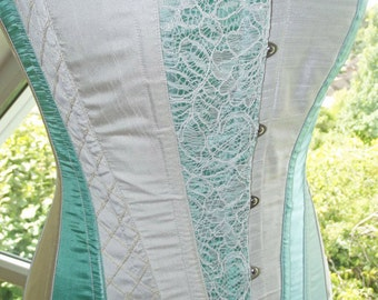 Classic vintage style corset. Wedding corset/ prom/ steampunk. MADE TO MEASURE in fabric of your choice