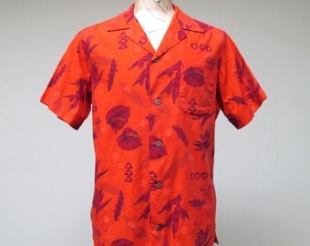 Vintage 1960s Mens Hawaiian Shirt / 60s Red Cotton Tropical Floral Surfer Shirt / Large