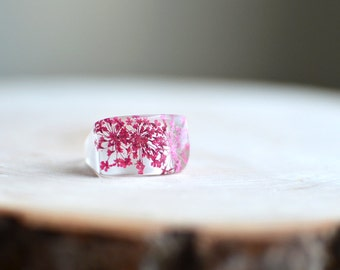 flower ring, Queen Anne's Lace Flower, pink ring, nature jewelry, resin jewelry, gift under 40