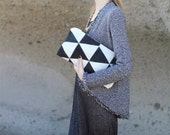 Contrast Triangles Pouch No. LH-202