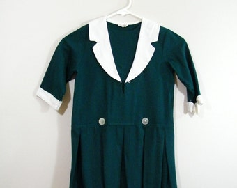 Vintage 1960s Girls Dress / Hunter Green / Pleated Skirt
