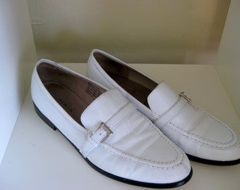 Women's Vintage Eddie Bauer White Leather Loafers