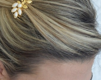Gold Hair Comb With Ivory Pearls - Bridal Hair Accessories - Wedding Hair Jewelry - Wedding Head Piece - Pearl Hair Comb - Leaves Hair Comb