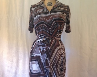 Brown & Black Short Sleeve Graphic Print Jersey Dress / 1970s / medium / pattern work casual