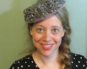 1940s Tilt Hat / Sunnycrest Original  / Silver Purple Lady's Hat / Lavender Feathers Hat