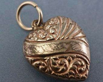 VICTORIAN HEART charm. // gold heart pendant // 1800s jewelry // vintage  No.001752 cs