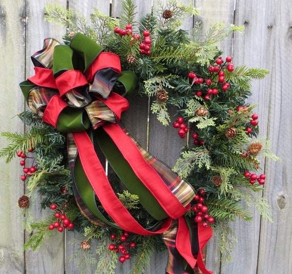 Awe Inspiring Holiday Christmas Wreath Natual Winter Wreath With Berries Door Handles Collection Dhjemzonderlifede