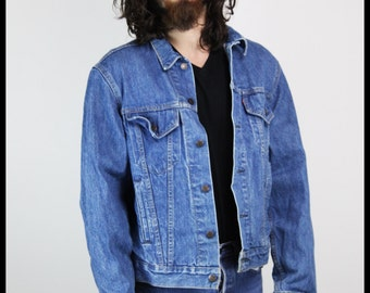 MADE IN USA Vintage Levi's Denim Jean Jacket, tagged 46L Men's