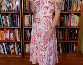 ROMAN HOLIDAY--Adorable 1950s Linen Rayon Convertible Halter Swing Dress with Red Ivy Pattern--S,M