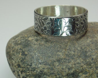 Flower Silver Band, Silver Ring, Patterned Flower Ring, Patterned Jewelry, Gift for Her, Flower Ring, Wedding Band, Promise Ring, Friendship