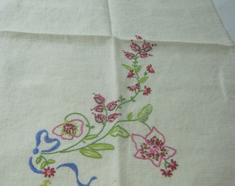 Vintage EMBROIDERED Tea TOWEL Linen PINK Flowers Guest Bath Linens